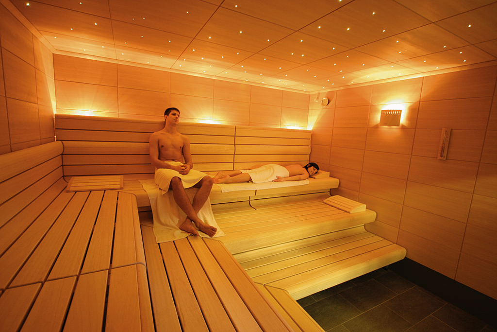 sauna im rendel bad. Black Bedroom Furniture Sets. Home Design Ideas